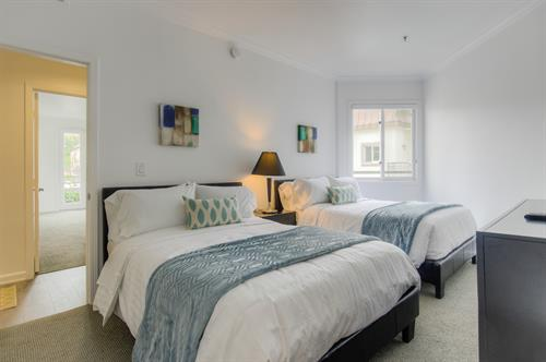 Beverly Hills 2 Bedroom - Guest Bedroom