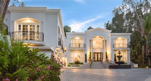 Luxury Homes at it's Finest.