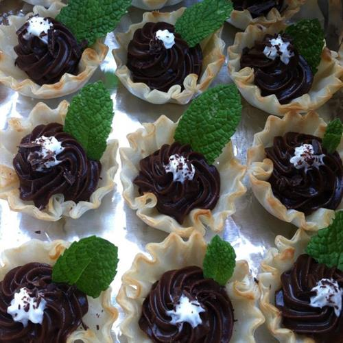 Mint Chocolate Cups with Mint Foam