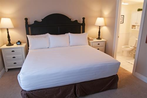 King Suite with Lake View Pet Friendly - Master Bedroom