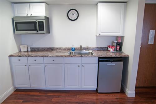 Queen Suite with Lake View - Kitchenette