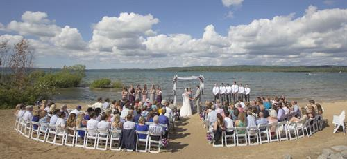 A magical Lake Charlevoix Wedding Ceremony