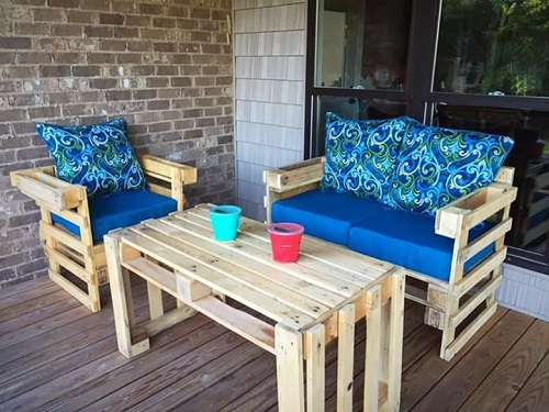 Our most popular set.  The patio set.  This comes with a loveseat, table, and chair.  Cushions are not included.  All made from recycled pallets.