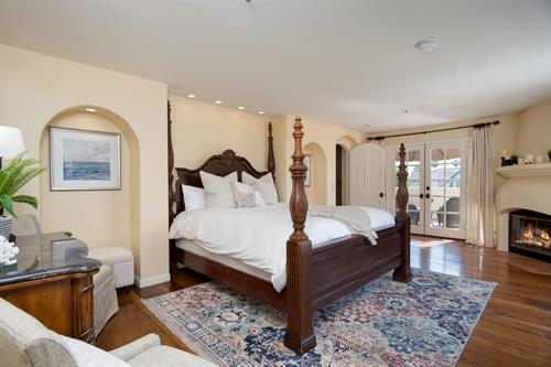 Vista Del Oceano: master bedroom at this stunning San Clemente rental home.