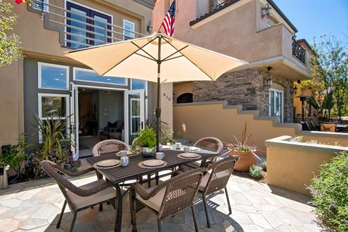 Huntington: this furnished rental features two patios.