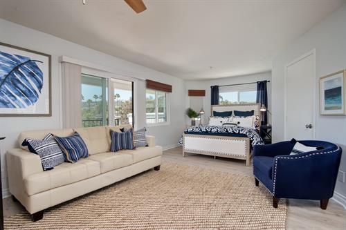 Montalvo Breeze: this furnished condo is just a few minutes walk from beach access in San Clemente.