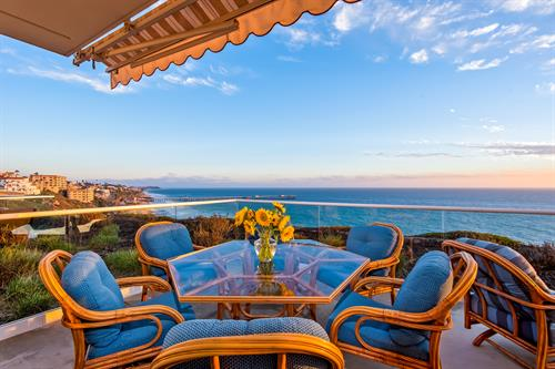 The Bluff: San Clemente rental, view looking toward the San Clemente Pier.
