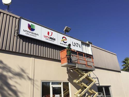 We install signage