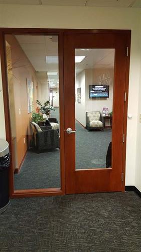 Gallery Image COEC_5th_Floor_Lobby.jpg