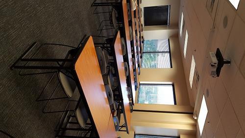 Large Room 557-559