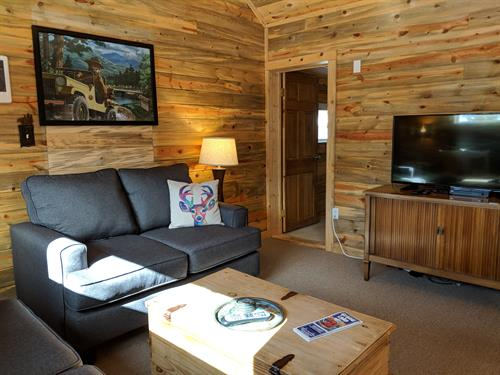 Smokey's Cabin living area