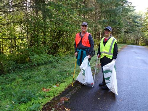 Volunteers at our 24th Annual Fall Molalla River Cleanup & Enhancement event