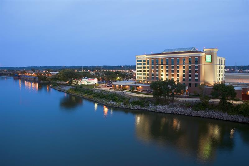 Embassy Suites and Riverfront Conference Center