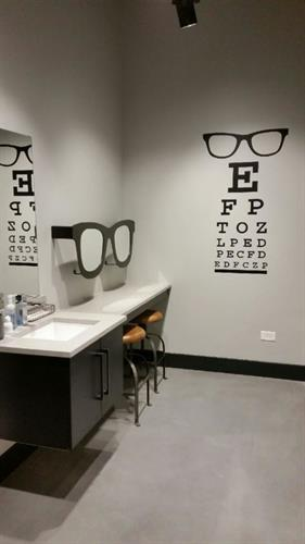 Contact Lens Room
