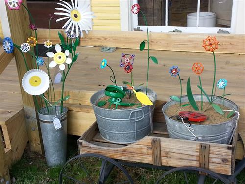 Great garden art made from scrap metal pieces