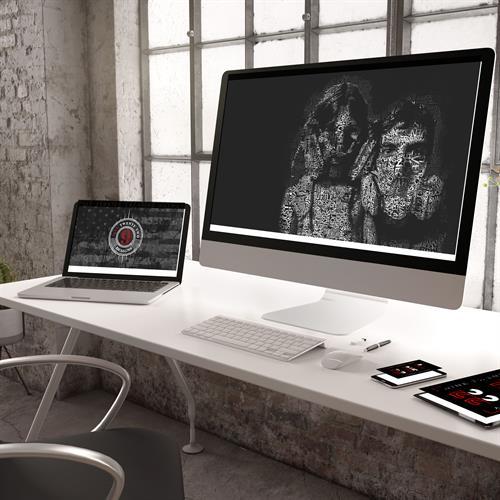Gallery Image desk_top.jpg