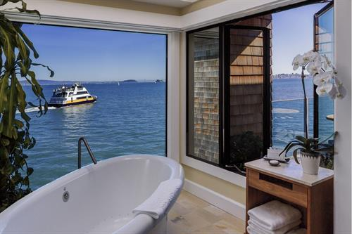 Penthouse Spa Tub