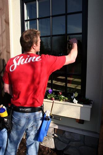 Shine Window Cleaning (Window Pane)