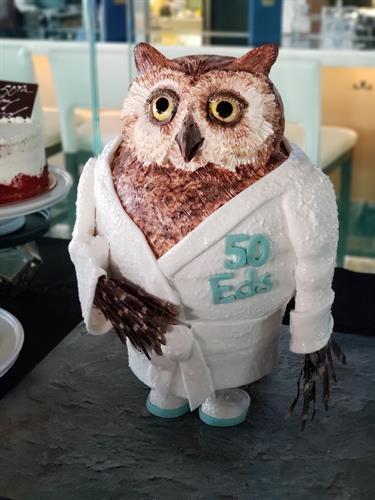 Travelocity Owl birthday cake