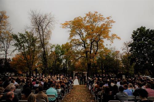 Gallery Image outdoor_wedding.jpg