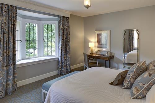 Gallery Image Presidential_Suite_Bedroom.jpg