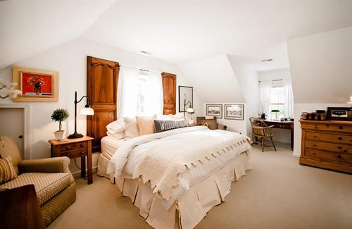 Bedwen Bach King Guest Room