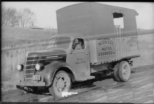 Gallery Image 1925_Midwest_truck.png
