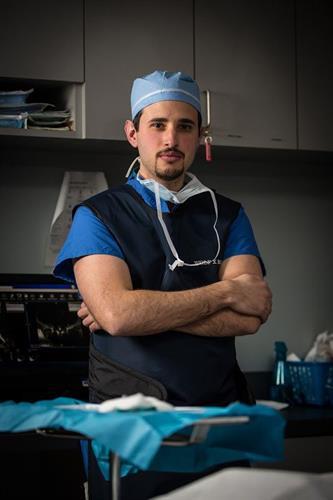 Dr. Peter Lascarides