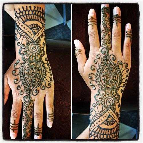 Traditional Henna art by Neha at Kapila Eyebrow Threading Morgan Hill. Thanks for all the love and support!! ????Eyebrow Threading $7.99????  ? 408-831-2769 ?  ?? 16400 Juan Hernandez Dr Morgan Hill??  ?? Mon to Sun 8amto10pm ??  ??????Click Me?????? www.kapilaeyebrowthreading.com
