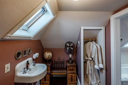 Wolf Den Private Bath