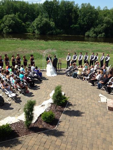 Get Married Outside at Vandervest!