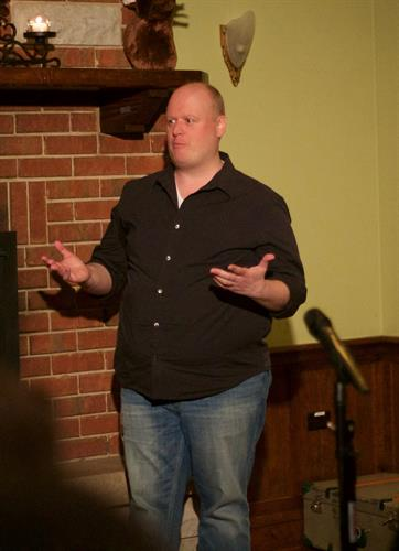 First Story Founder Randy Ford at Chicago's StoryLab (courtesy Jill Howe Photography)