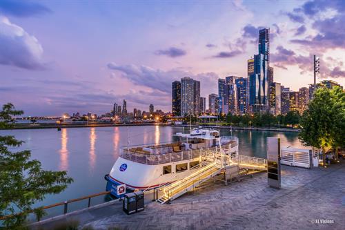 Gallery Image XLVisions_-_Chicago._Navy_Pier.jpg