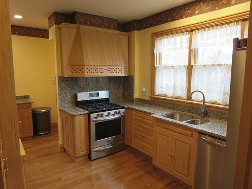 Gallery Image bores.kitchencabinetry.installation.JPG