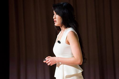 Gallery Image 30016_TEDx_Oak_Patk_IL_123.jpg