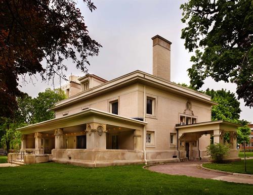 Pleasant Home Exterior