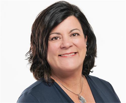 Susan Medeiros - Edgewater Agency Owner