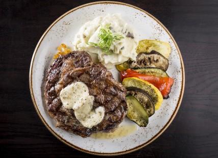 Gallery Image steak.jpeg