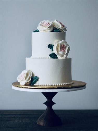 Small wedding cake with buttercream flowers