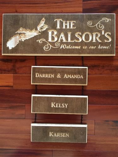 Family Name Welcome Sign with Additional Pieces