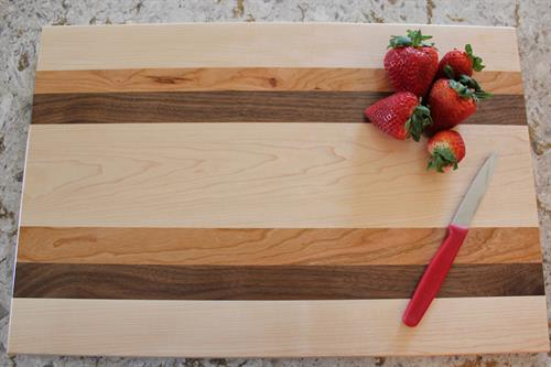 Cutting Board - Maple-Walnut-Cherry Combination 7 Long-Grain