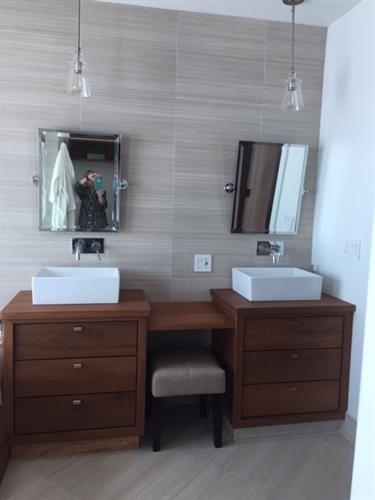 Isalnd Getaway Master bathroom   Lounge Porcelain Tile