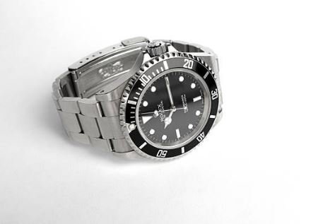 Loan officers at Chicago Loan are experts in luxury watches