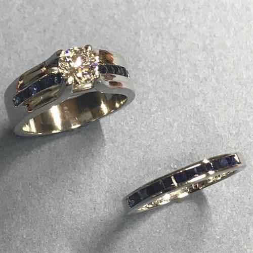Gold round diamond engagement rings