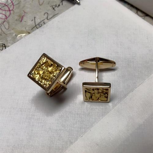 Gallery Image gold_nugget_cuff_links.jpg