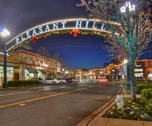 Gallery Image Downtown_Pleasant_Hill_holidays.jpg