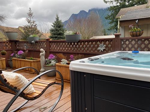 Mt Si from Hot Tub at North Bend Downtown Cottage