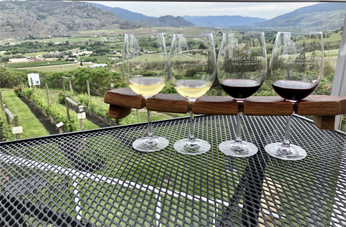 Gallery Image Patio_Wine_Flight_003.png