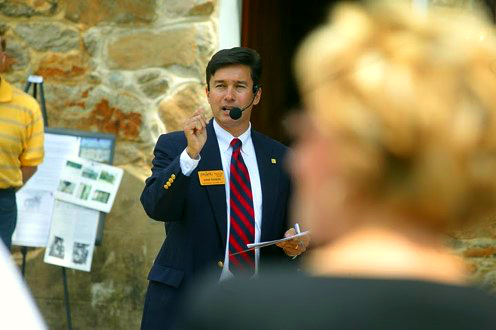 Ernie Rogers at a real estate auction