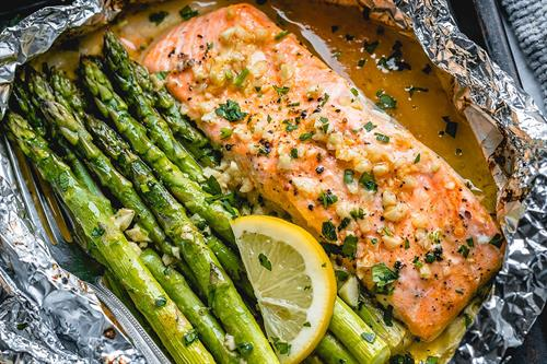 Gallery Image baked-salmon-in-foil-recipe.jpg